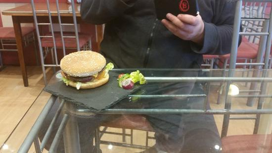 Glossop Cafeteria: Cheese Burger (Again)
