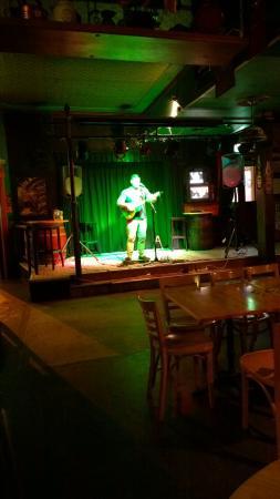 Irish Murphy's: Live music is nice.