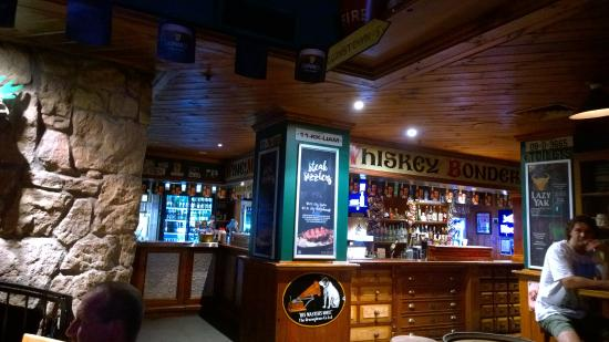 Irish Murphy's: 酒吧內部