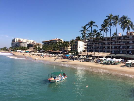 Eloisa Hotel: Standing on the pier on Los Muertos beach