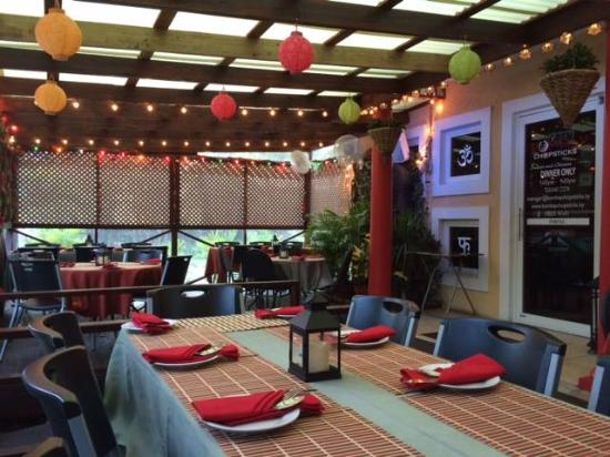 Bombay Chopsticks: Our new screened-in patio