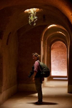 Suzanne Porter Marrakech Photo Experiences : Suzanne and I enjoyed being in this cool spot on a hot day!