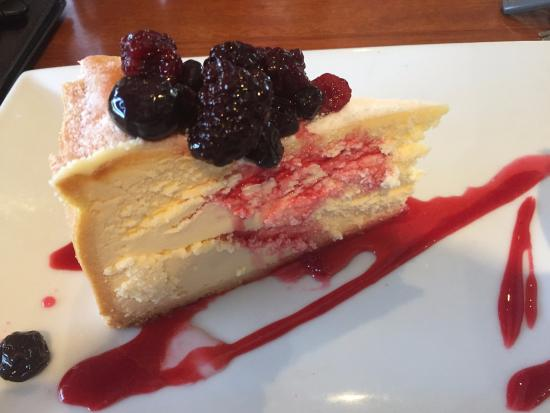 Carmen's: Baked Cheesecake