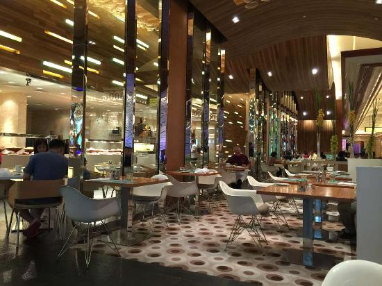 Fresh International Buffet Dining Area