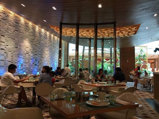 Fresh International Buffet Seating Area