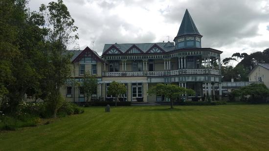 Highden Manor Estate Photo