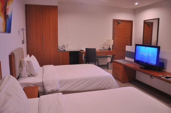 Gloria Plaza Hotel Sandakan: Room view