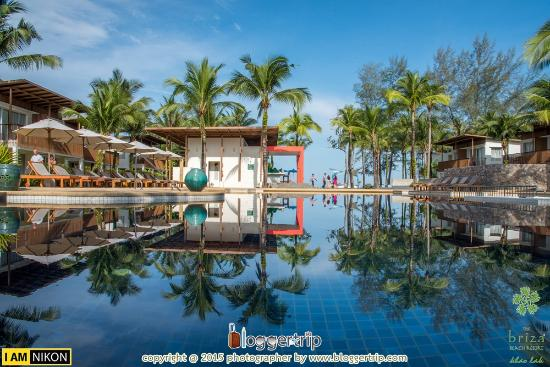briza beach resort khao lak
