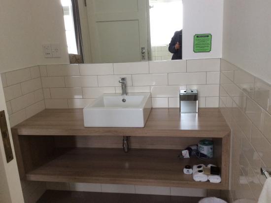 Bathroom - Picture of Art Deco Masonic Hotel, Napier - TripAdvisor