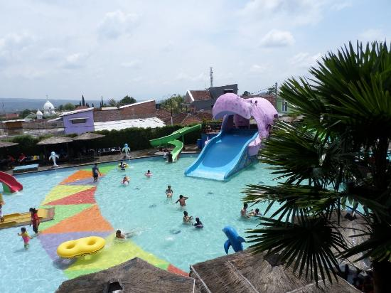 Batu Wonderland Hotel & Resort: SAM_6723_large.jpg