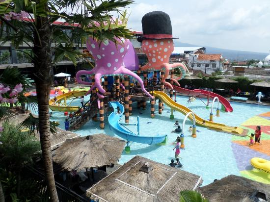 Batu Wonderland Hotel & Resort: SAM_6722_large.jpg
