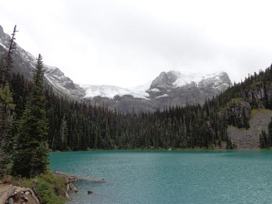 เพมเบอร์ตัน, แคนาดา: Well worth the climb up to this beautiful glacial lake, approx. 1 hour north of Whistler!