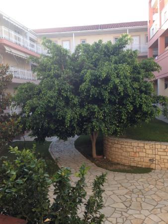 внутренний двор гостиницы