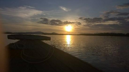 4 Rivers Floating Lodge: Sunset cruise