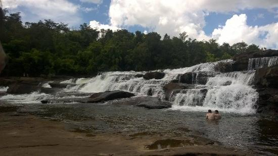 4 Rivers Floating Lodge: Waterfall excursion