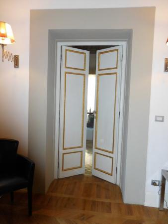Relais Santa Croce: Oversize Continental Doors & Oversize Continental Doors - Picture of Relais Santa Croce ... Pezcame.Com