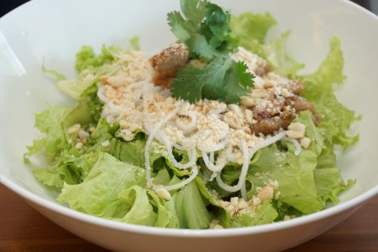 Lettuce Salad with Rice Vermicelli, Fried Boneless Chicken Breast and Coriander