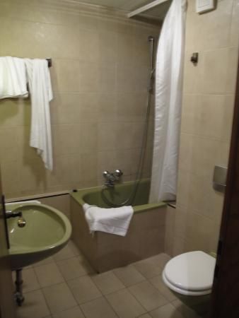 Augsburger Parkhotel: bathroom