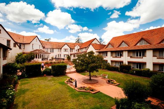 Courtyard Restaurant - Mercure Hotel Canberra