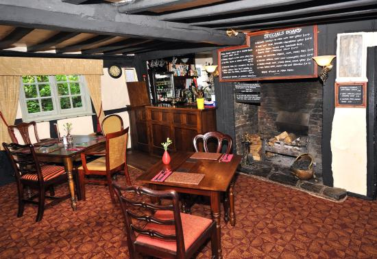 The Boot Inn: inglenook fireplace