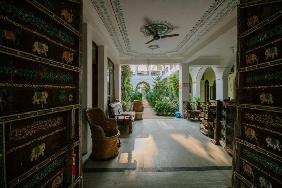 Hotel Radhika Palace