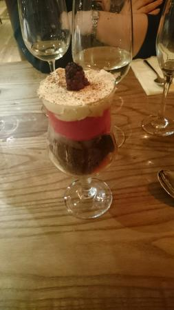 Bothwell, UK: Chocolate brownie & raspberry sorbet sundae