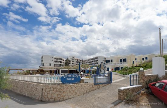 Zorbas Island : Einfahrt zur Anlage