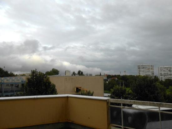 Hotel La Roseraie : Вид из окна номера