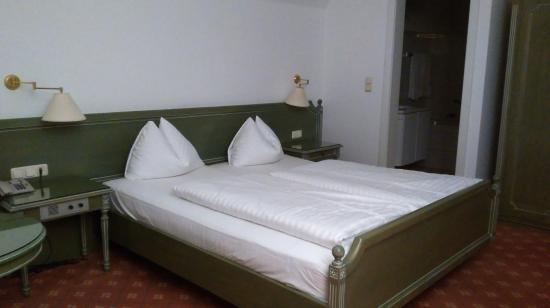 Stadthotel Styria: Γουστόζικο δίπλωμα μαξιλαριών