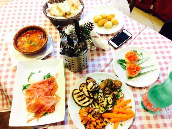 Picture Of A 39 Cucina Ra Casa Mia Naples