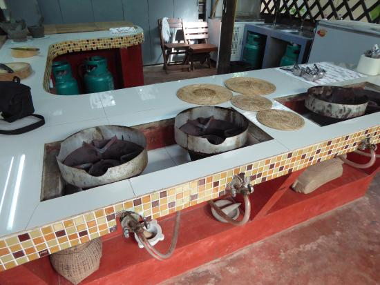 Ka-Ti Culinary Cooking School: Burners for cooking
