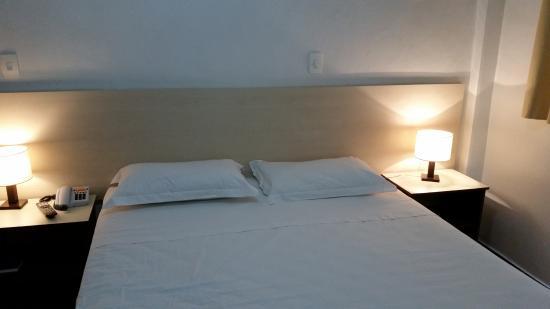 Hotel Opala Estacao: Cama de casal