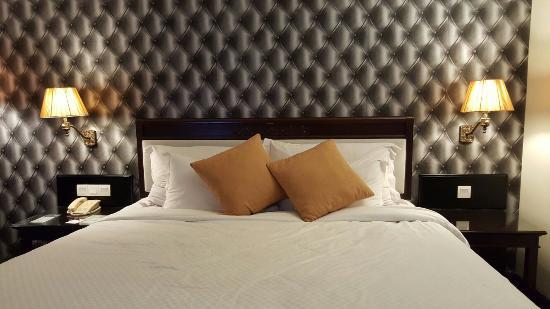 Grand Aquila Hotel Bandung: 20151211_223941_large.jpg