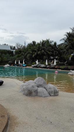 бассейн с детской зоной