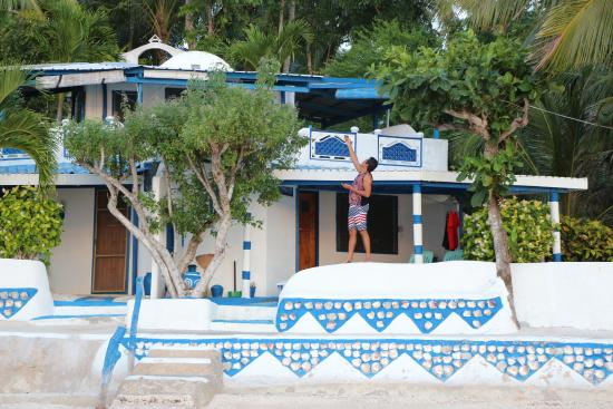 Casa de la Playa Beach Resort : View from the beach to casa greca