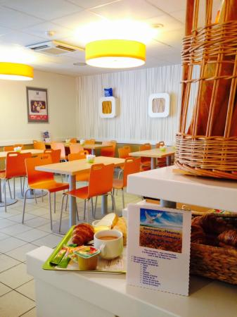 Ibis Budget Apt-Luberon : Salle Petit Déjeuner