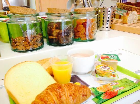 Ibis Budget Apt-Luberon : Plateau petit déjeuner