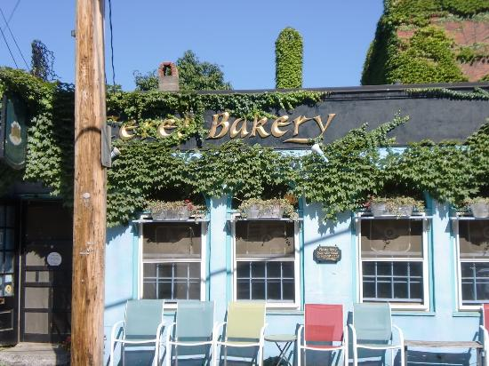 Ceres Bakery: Ceres Cafe in August