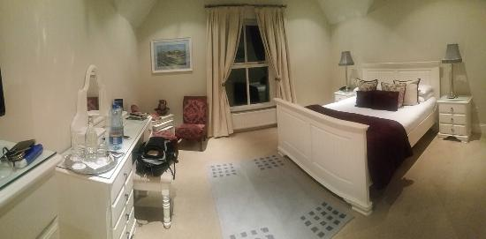 Castlewood House: photo0.jpg