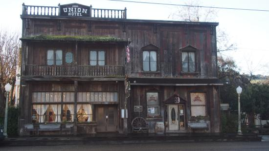 """The 1880 Union Hotel: A quirkier alternative to a """"Highway Motel"""""""