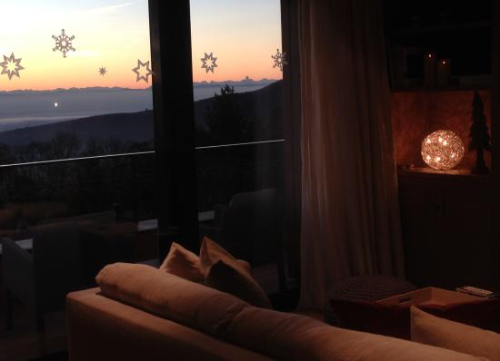 Le Grand Chalet & Spa : View to the Alps from the living area