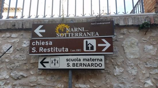 Narni Sotterranea: Narni Underground: Look for this sign in order to find the attraction