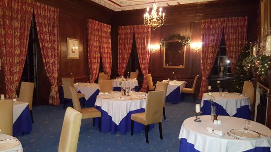 Four seasons picture of the four seasons restaurant at for Four restaurant