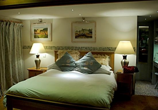 Hotel bedroom picture of swan house restaurant and for Best boutique hotels east anglia