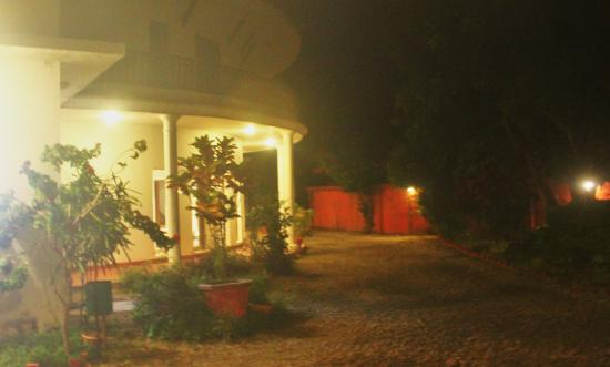 Leisure Vacations Myrica Resort: Night view