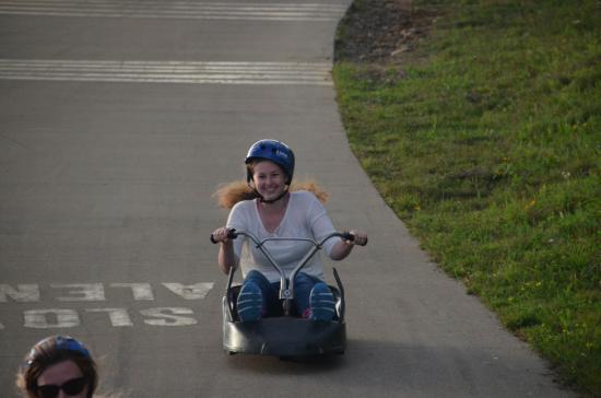 Skyline Luge Mont-Tremblant: Si tu freines t'es un lâche.....