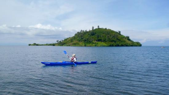 Gisenyi, Rwanda: Kayaking along the lake