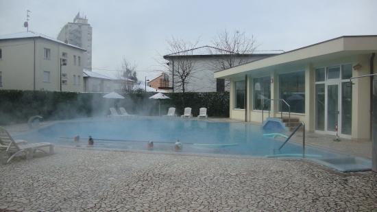 Hotel Aqua: Бассейн в отеле