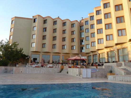 Mustafa Hotel: Espace piscine
