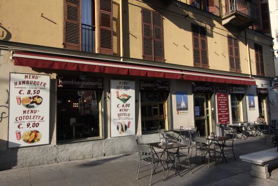 Beaubar: il locale visto da Via Montebello